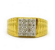 Diamond Ring 0.64 CT / 4.70 gm Gold