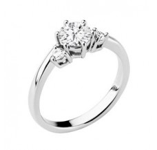 Diamond Solitaire Ring 0.35 CT / 2.42 gm Gold